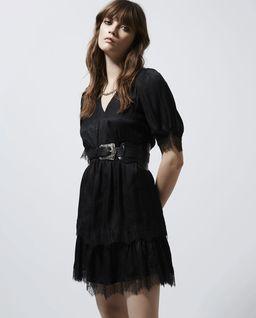 Czarna sukienka z koronkową aplikacją