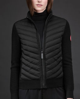 Czarna kurtka z wełny