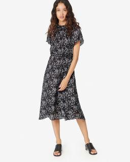 Czarna sukienka z jedwabiem
