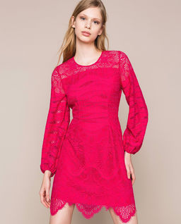 Koronkowa sukienka mini