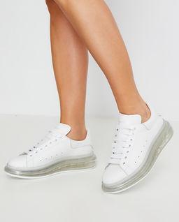 Sneakersy z transparentną podeszwą