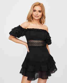 Krótka sukienka Maral z koronką