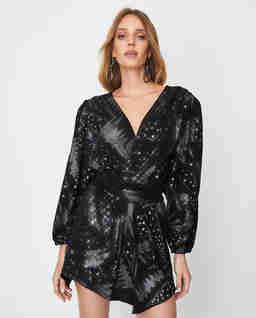 Czarna sukienka z brokatem