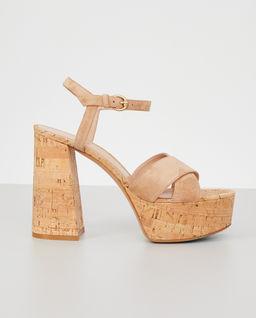 Beżowe sandały na obcasie Bebe