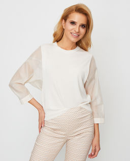 Sweter z jedwabnymi rękawami