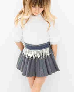 Szara plisowana spódnica z perłami