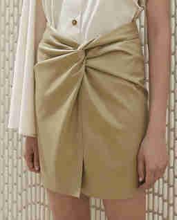 Beżowa spódnica Milo ze skóry wegańskiej