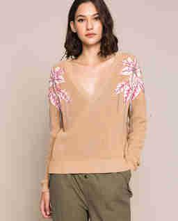 Sweter z kwiatowymi naszywkami