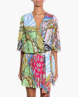 Plisowana sukienka z paskiem