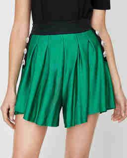 Zielone spodenki z guzikami