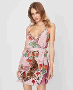 Kopertowa sukienka mini z jedwabiu