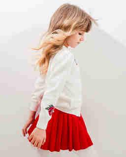 Czerwona spódnica plisowana