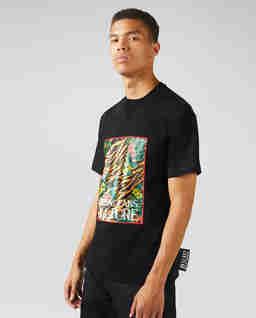 Czarna koszulka z tropikalnym nadrukiem
