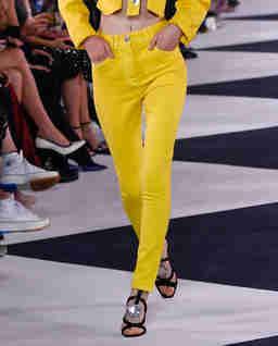 Żółte jeansy z wysokim stanem