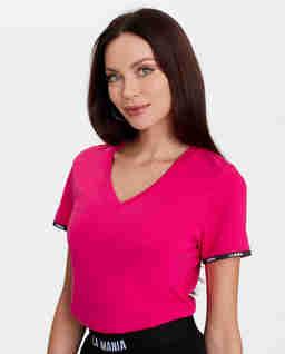 Różowy t-shirt z logowaną tasiemką