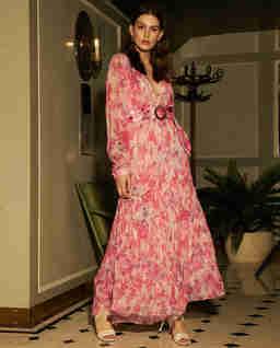 Różowa sukienka maxi