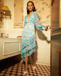 Niebieska sukienka midi