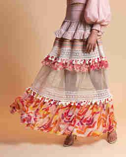 Różowa spódnica maxi z falbanami