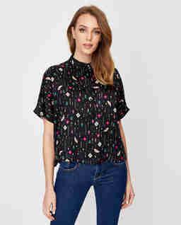 Czarna bluzka koszulowa we wzory
