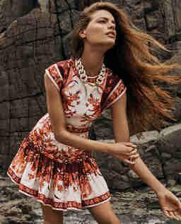Lniana sukienka w orientalny wzór