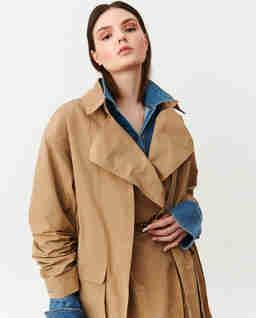 Beżowy płaszcz Rigel
