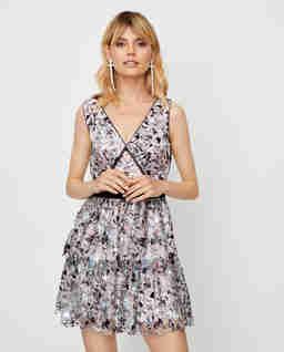 Koronkowa sukienka mini z cekinami