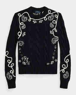 Czarny sweter z haftem