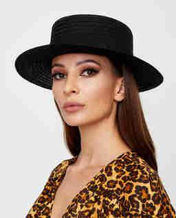 Czarny kapelusz Kiki