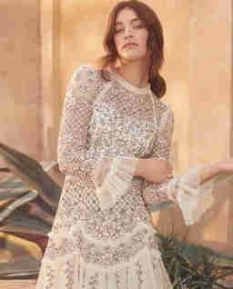 Beżowa sukienka Marigold Rose