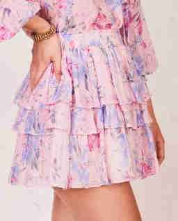 Różowa spódnica w kwiaty