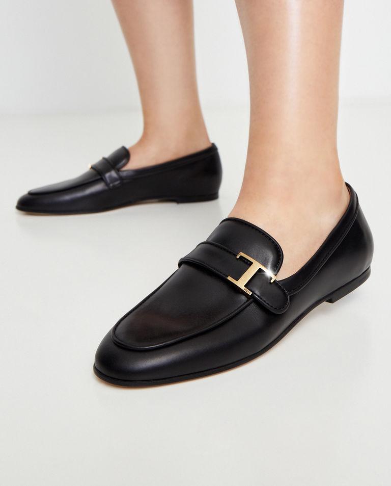 Czarne loafery ze skóry Tod's