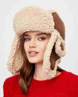 Brązowa czapka z kożuchem
