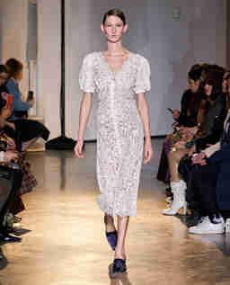 Koronkowa sukienka midi Camellia