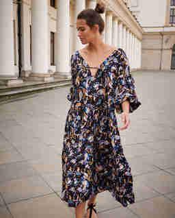 Sukienka Mykonos ze wzorem paisley
