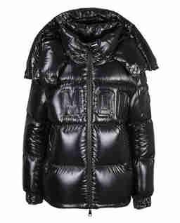 Czarna kurtka z wytłoczonym logo