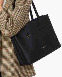 Czarna torba na ramię Matinee