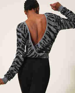 Sweter z dekoltem na plecach