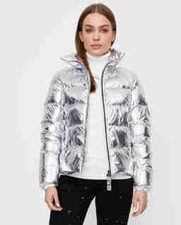 Srebrna pikowana kurtka