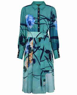 Turkusowa sukienka z motywem kwiatowym
