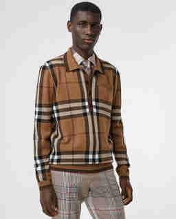 Beżowy sweter w kratkę
