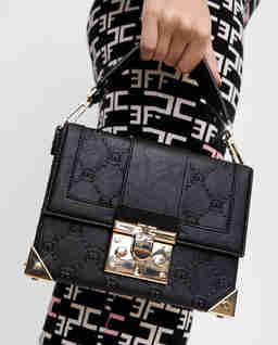Czarna torebka kuferek Kiki