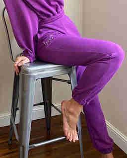 Fioletowe spodnie dresowe Naomi