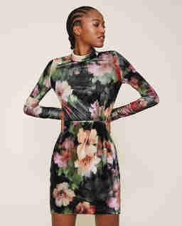 Kolorowa sukienka mini z aksamitu