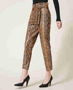 Wzorzyste spodnie ze skóry ekologicznej