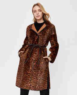 Dwustronny płaszcz w cętki Betty