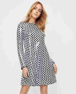 Cekinowa sukienka we wzory