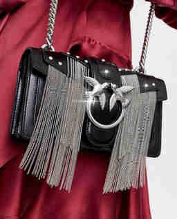 Czarna torebka z frędzlami Mini Love Bag
