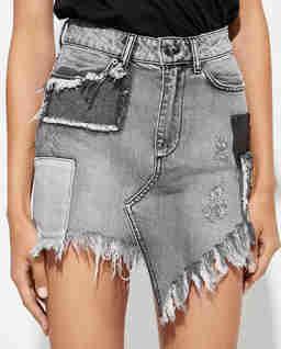 Jeansowa spódnica z przetarciami