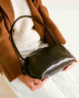 Ciemnobrązowa torebka Hug Bag L