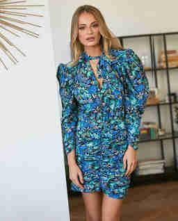 Niebieska sukienka w kwiaty Karissa